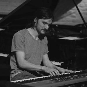 jeremy-piano